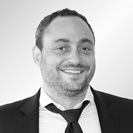 Matthias CENTI – DIRECTEUR ADMINISTRATIF & FINANCIER